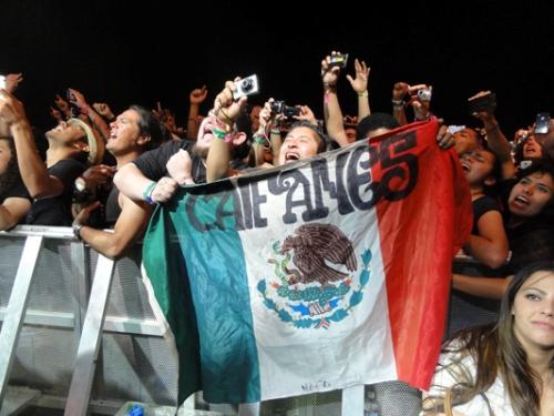 Coachella-2011-Caifanes-Fans.jpg