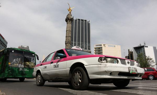 LESLIE-PEREZ_taxis.jpg