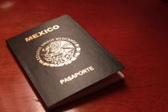 pasaporte_mexicano_negro.jpg